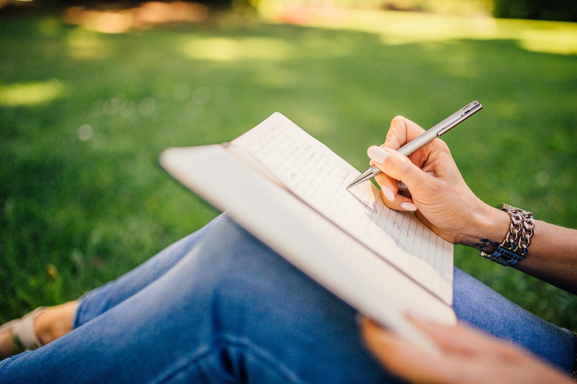 Naturally Help Your Chronic Pain Journaling
